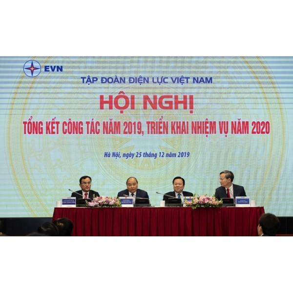 Thủ tướng Chính phủ Nguyễn Xuân Phúc: EVN cần bảo đảm chủ động cung ứng điện cho nền kinh tế với chất lượng tốt