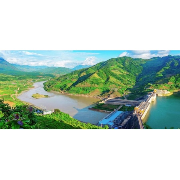 Điện lực Việt Nam: 65 năm thắp sáng niềm tin