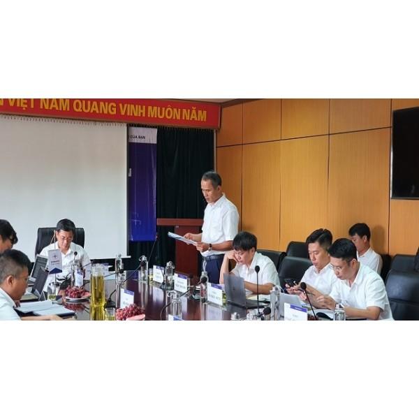 Thành viên Hội đồng thành viên EVNNPC làm việc với Ban Quản lý dự án lưới điện